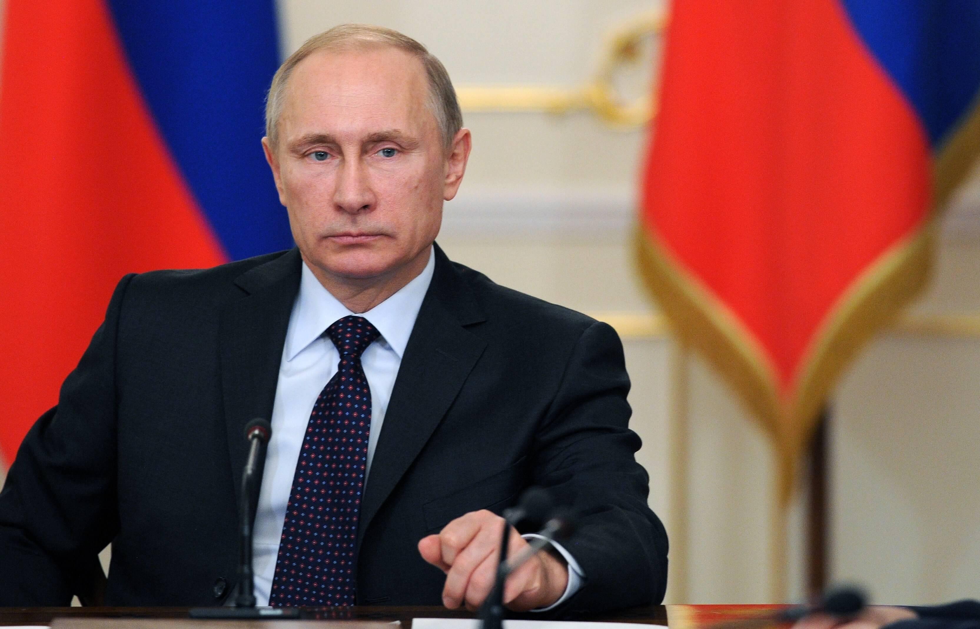 Путин проводит совещание по борьбе с коронавирусом